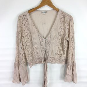 American Eagle outfitters cropped lace top S